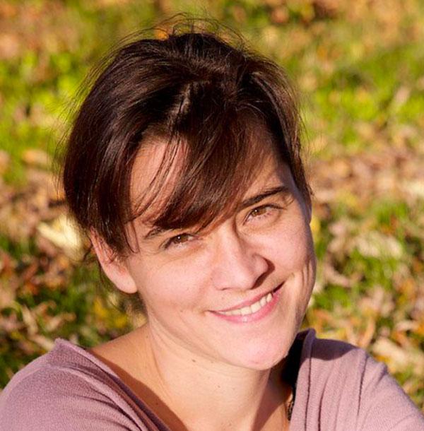 Carole des Happycuriennes voir sa ligne de soins naturels