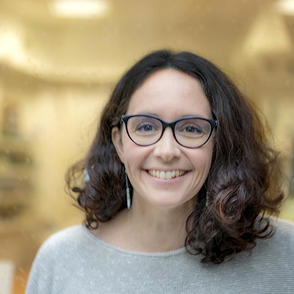 Mélanie fondatrice d'Univeda Cosmetiques Naturels Bio